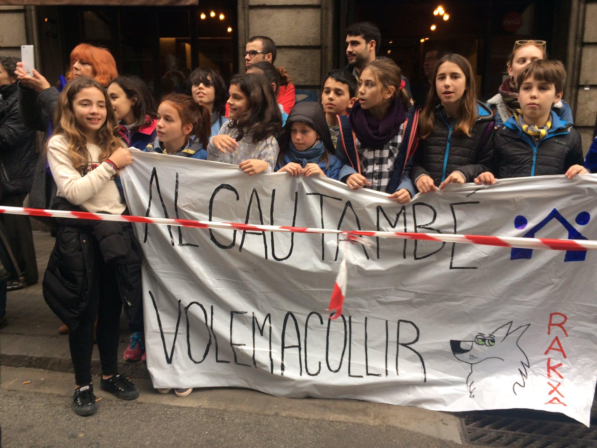Manifestació Al Cau volem acollir (Rakxa)